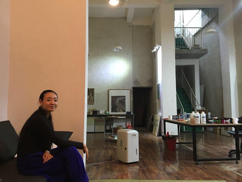 Chinese artist Luo Yi